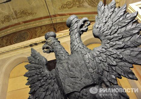 Барельеф двуглавого орла, который будет установлен в зрительном зале Большого театра