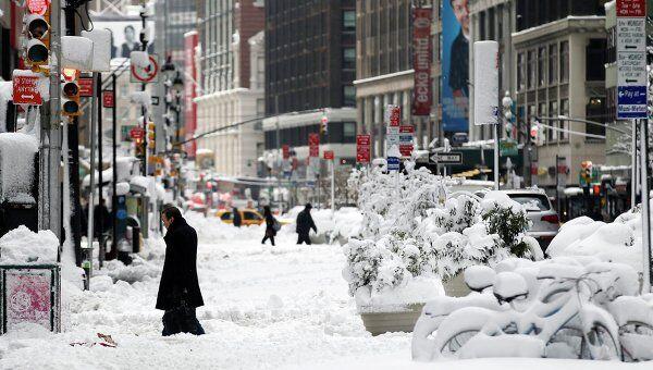 Последствия сильного снегопада в Нью-Йорке