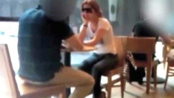 Агенты ФБР снимали Чапман скрытой камерой в магазинах и кафе