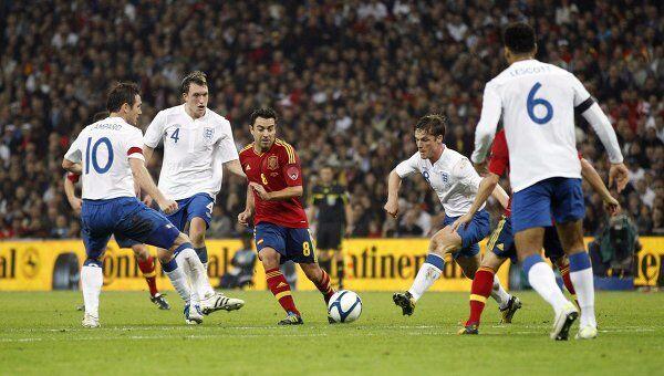 Игровой момент матча Англия - Испания