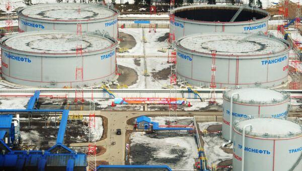 Нефтеналивной терминал в порту Усть-Луга. Архивное фото