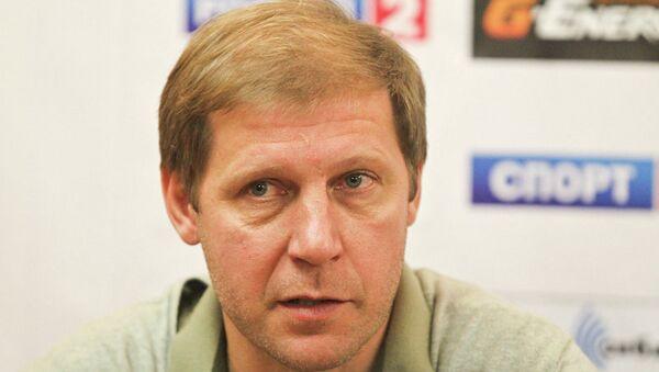 Главный тренер Томи Сергей Передня