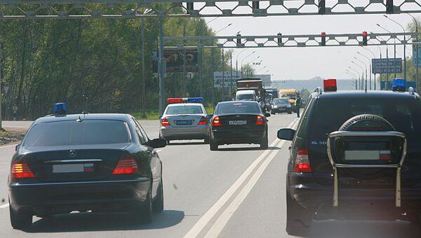 Автомобили со спецсигналами. Архивное фото