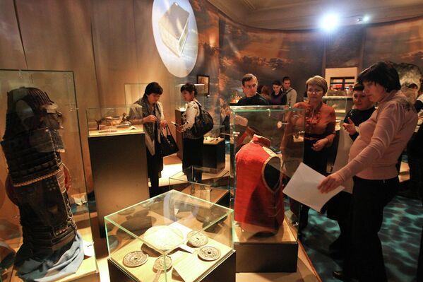 Буддистская коллекция на выставке в Томском областном краеведческом музее