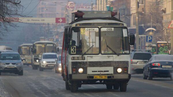 Зимние улицы в Томске - транспорт