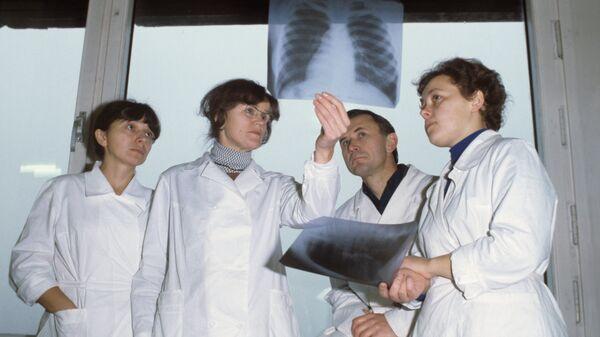 Рентгенологи детского отделения Онкоцентра имени Н. Н. Блохина