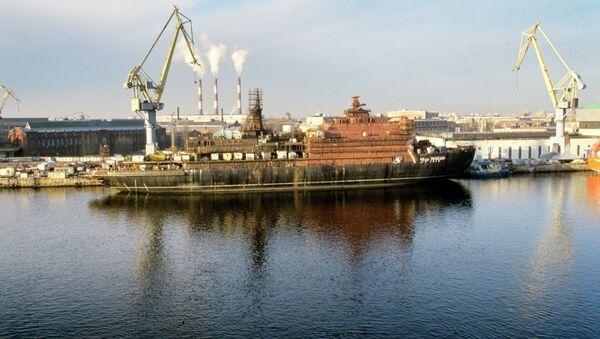 Судостроительный завод Адмиралтейские верфи. Архивное фото
