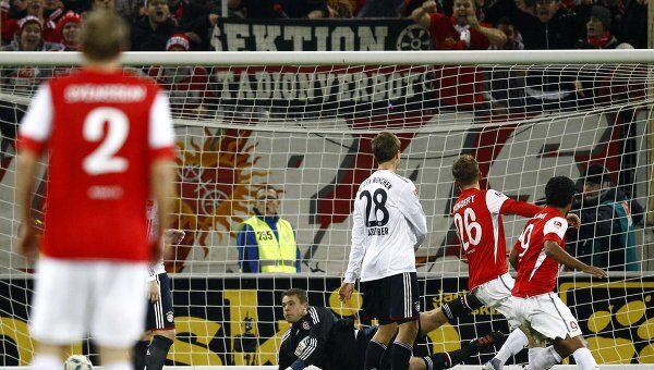 Игровой момент матча Майнц - Бавария