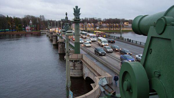 Движение транспорта в Петербурге