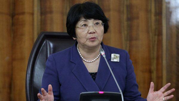 Роза Отунбаева на пресс-конференции, посвященной итогам Конституционного референдума в Киргизии