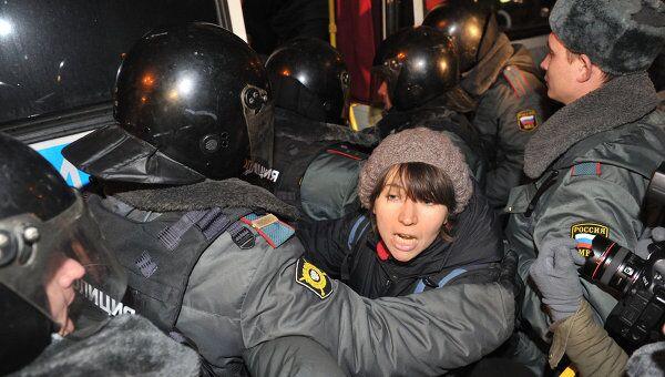 Задержание участников несанкционированной акции оппозиции на Триумфальной площади в Москве