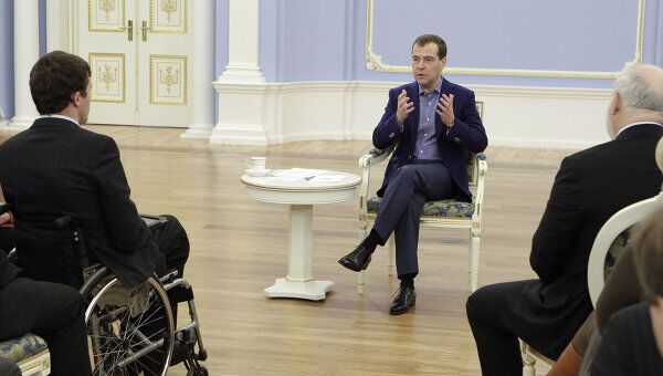 Президент РФ Д.Медведев встретился с комитетом своих сторонников в Горках