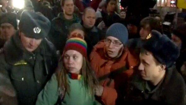 Полиция пресекает нарушения общественного порядка на Триумфальной площади