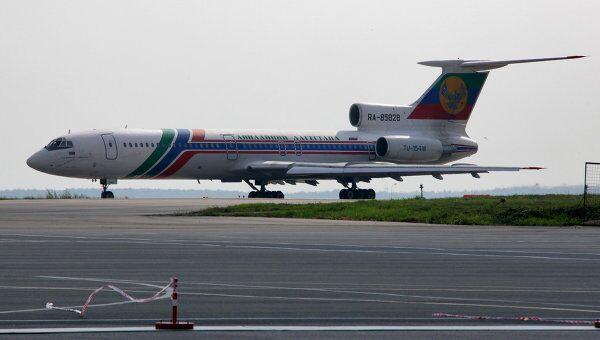 Самолет Ту-154 совершил аварийную посадку в Махачкале