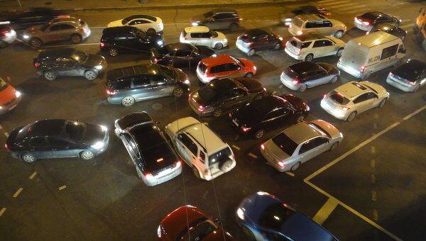 Пробка на улице Серафимовича в Москве держалась несколько часов