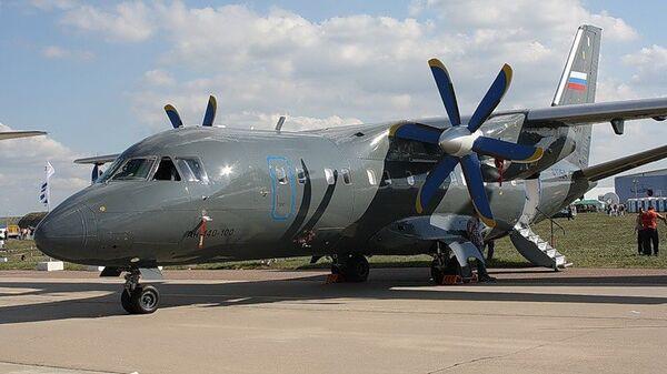 Самолет Ан-140-100