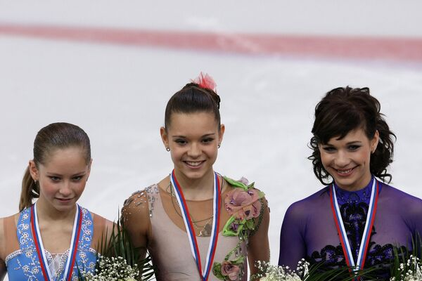 Юлия Липницкая, Аделина Сотникова  и Алена Леонова (слева направо)