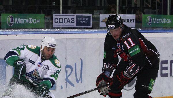 Дмитрий Рябыкин (справа), архивное фото