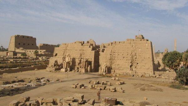 Египетская деревня Карнак в двух с половиной километрах к северу от Луксора. Архивное фото