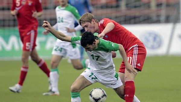 Игровой момент матча Россия - Туркмения