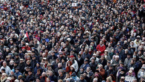 Многотысячная демонстрация в Венгрии против закрытия оппозиционного радио
