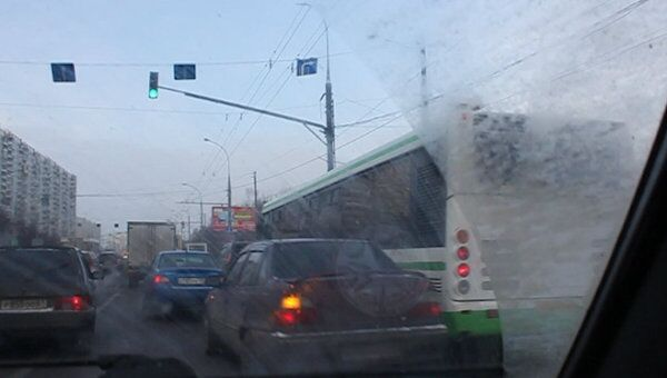 Рейсовый автобус попал в аварию на юге Москвы