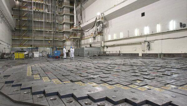 В помещении ядерного реактора. Архив