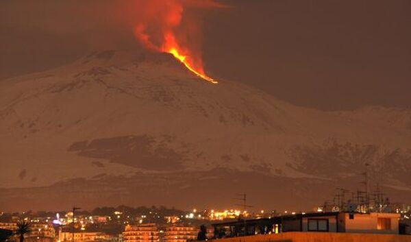 Извержение вулкана Этна в 2012 году