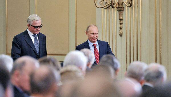 Владимиру Путину на съезде РСПП в четверг 9 февраля практически удалось добиться от предпринимателей одобрения налога на роскошь, которым их-то и предполагается обложить