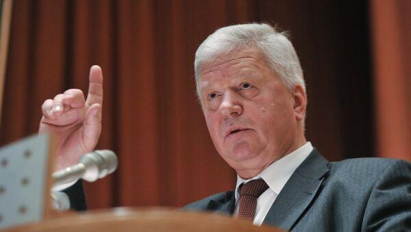 Председатель ФНПР Михаил Шмаков. Архивное фото