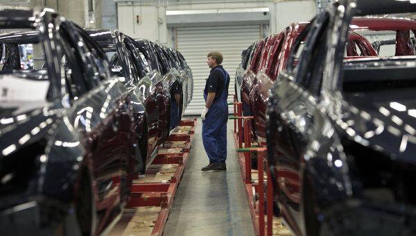 На заводе General Motors в Санкт-Петербурге. Архив