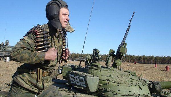 Командир батальона должен получать более 100 тыс руб в месяц. Архив