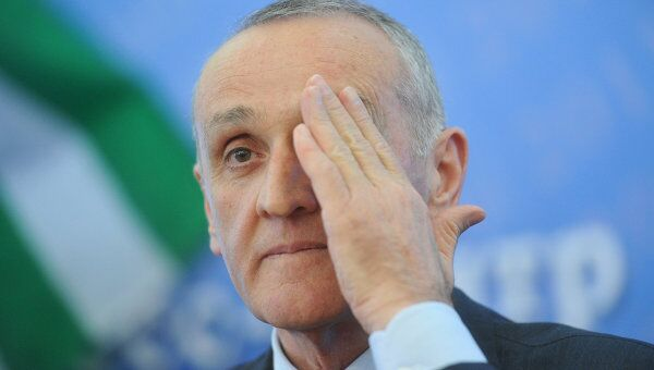 Президент Республики Абхазия Александр Анкваб, архивное фото