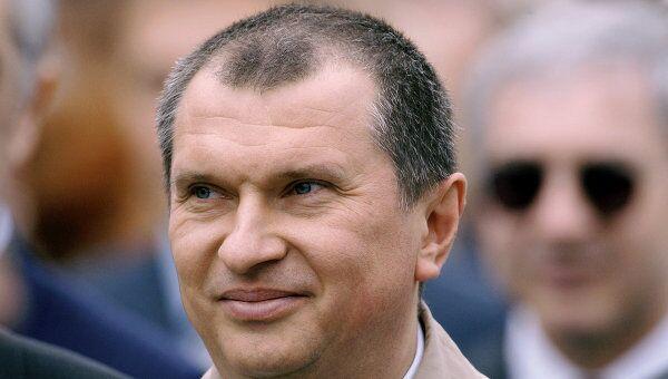 Заместитель главы администрации  президента - помощник президента РФ