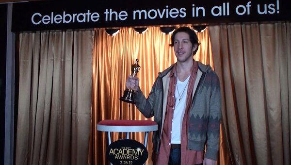 Жители и гости Нью-Йорка не скрывали эмоций, вручая себе Оскар