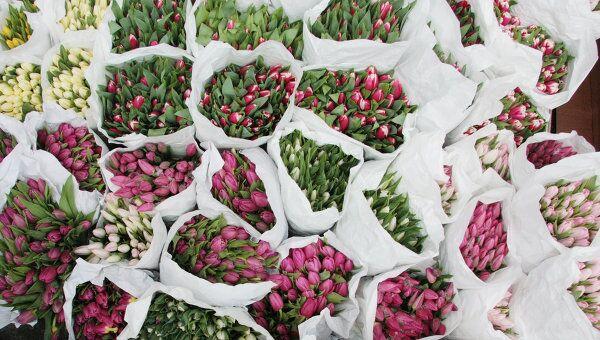 Торговля цветами в Международный женский день