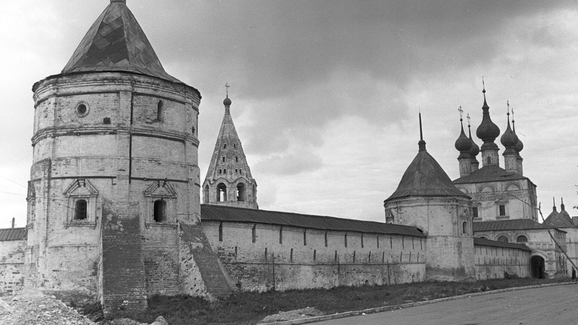 Михайло-Архангельский монастырь в Юрьеве-Польском - РИА Новости, 1920, 25.09.2020