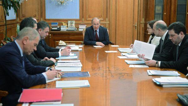 Премьер-министр РФ В.Путин провел заседание комиссии ФЦП