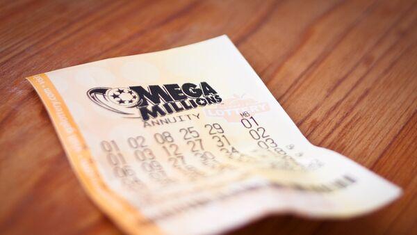 Билет американской лотереи Mega Millions