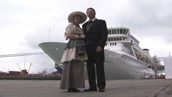 Сотни пассажиров отправились по следам Титаника на лайнере Балморал