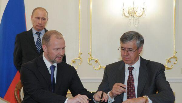 Роснефть и Экссон Мобил подписали пакет документов, конкретизирующих соглашение о стратегическом сотрудничестве