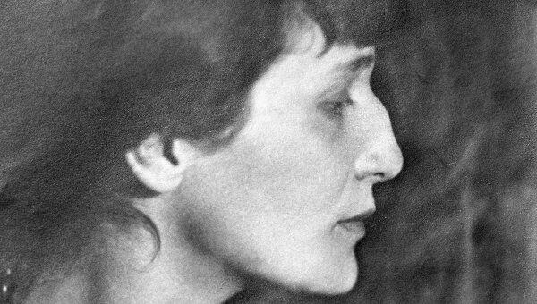 Анна Ахматова вошла в историю русской и мировой поэзии