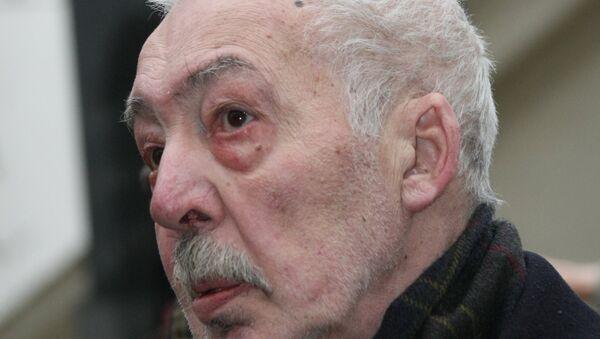 Писатель Андрей Битов, архивное фото