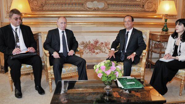 Президент РФ Владимир Путин и президент Франции Франсуа Олланд