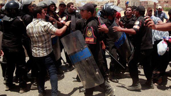 Беспорядки в Каире после оглашения приговора Мубараку