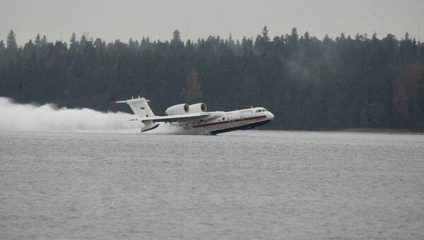 Российский самолет-амфибия Бе-200. Архивное фото