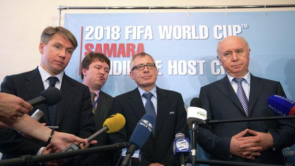 Алексей Сорокин, Юрген Мюллер и Николай Меркушкин (слева направо на первом плане)