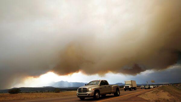 Дым от лесного пожара в Колорадо