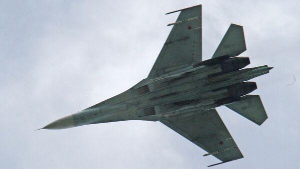 Истребитель Су-27, архивное фото
