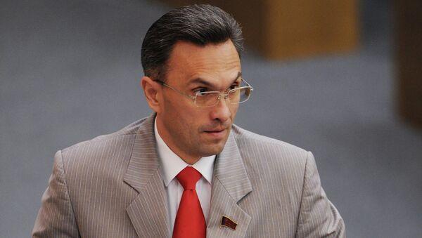 Член комитета ГД по обороне Владимир Бессонов на пленарном заседании Государственной Думы РФ. Архивное фото